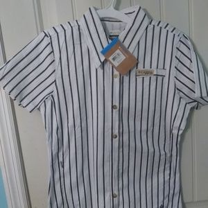 Columbia shirt size Small. New with tag.